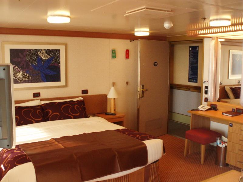 Costa deliziosa panoramica cabine e suites crociera ndo for Costa deliziosa ponti