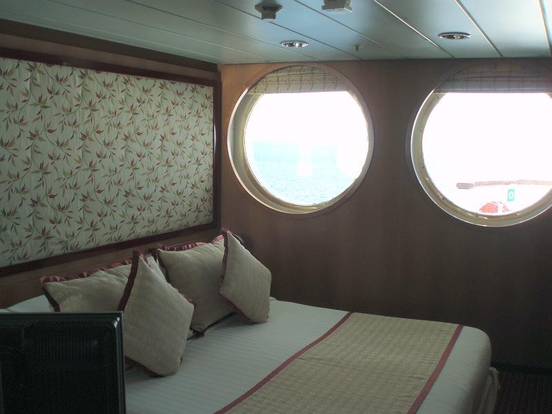Costa allegra la spaziosa gran suite crociera ndo for Piani di aggiunta della camera da letto principale