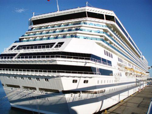 Costa Concordia:architettura sospesa nel blu